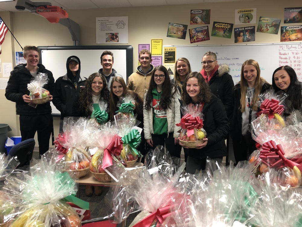 NHS students ready to deliver holiday fruit baskets