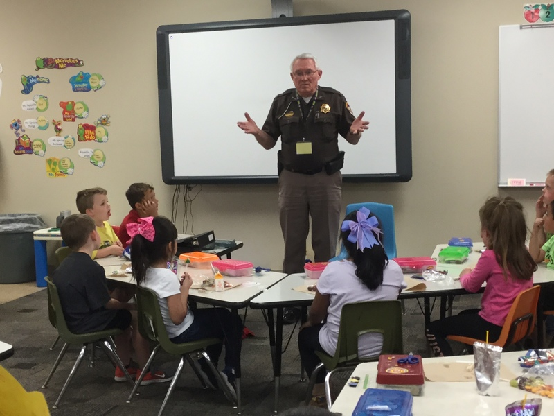 Sheriff Visits Kindergarten
